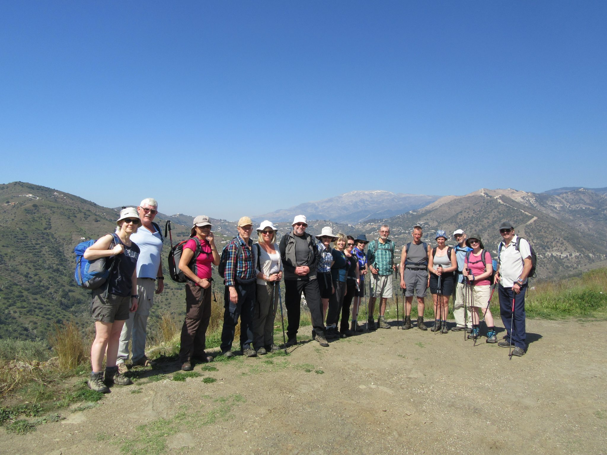 group walking solo travellers